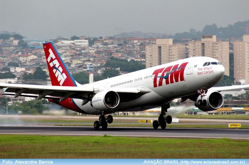 """Voando TAM com seus dispositivos móveis em """"modo avião"""" durante todo o voo, Voando TAM com seus dispositivos móveis em """"modo avião"""" durante todo o voo, Portal Aviação Brasil"""