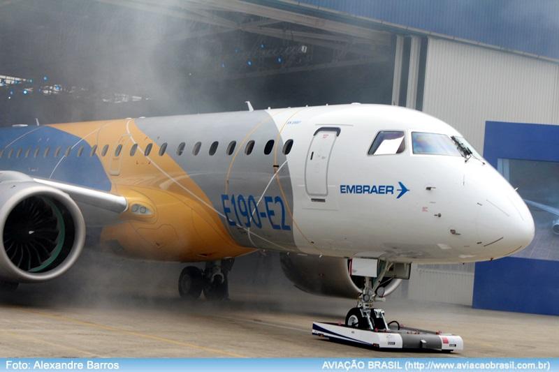 , Embraer E190-E2 faz estreia internacional no Farnborough Airshow, Portal Aviação Brasil